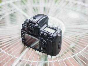 Still a Contender : Nikon D700 Review - Spotlight