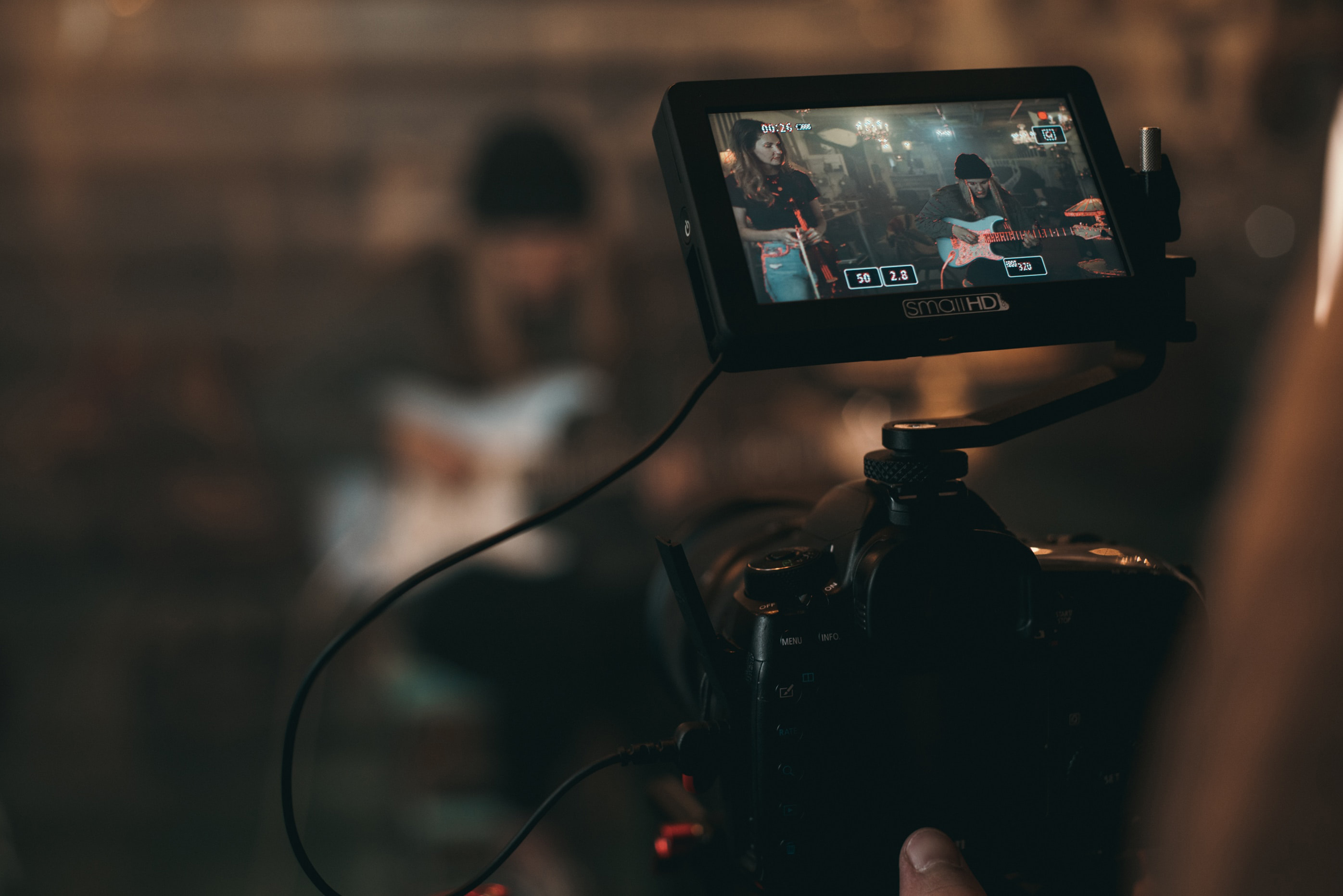 An Intro to Shooting Video With DSLR or Mirrorless Cameras